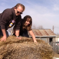 We're Gonna Destroy This Straw Bale! ||  Deep Mulch Gardening || We're Having A Hay Day!